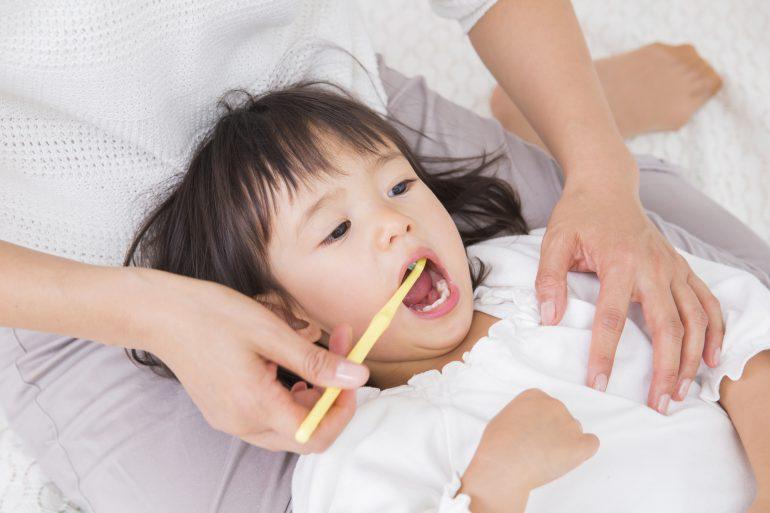 矯正医による歯の生え変わりの監修(MFT、補助装置使用)